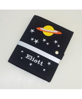 Protège carnet de santé rigide personnalisé - noir - thème l'espace - Cadeau de naissance garçon