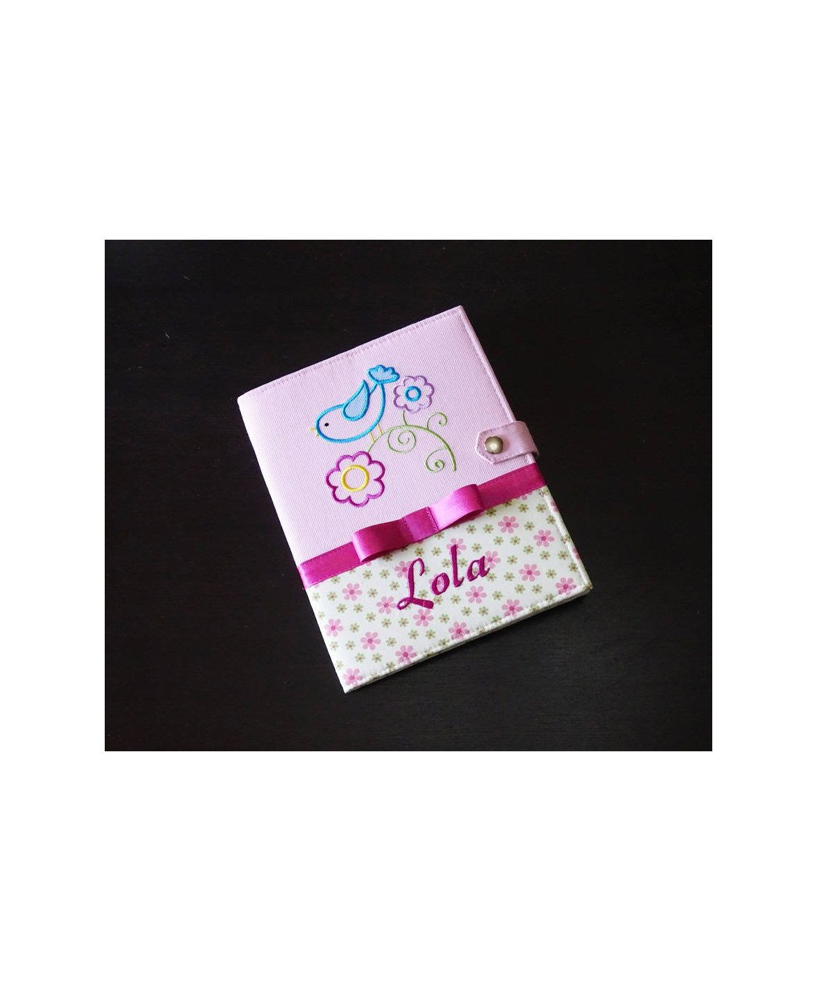 """Protège carnet de santé personnalisé """"spring bird"""" rigide - Cadeau de naissance fille personnalisé - rose"""