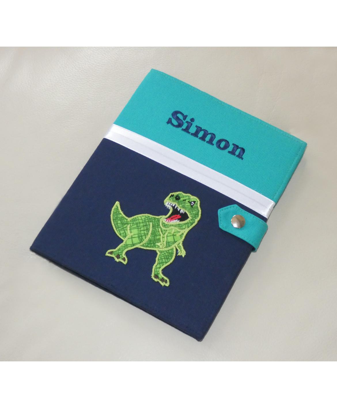 Protège carnet de santé rigide personnalisé - vert et bleu - thème dinosaure - Cadeau de naissance garçon